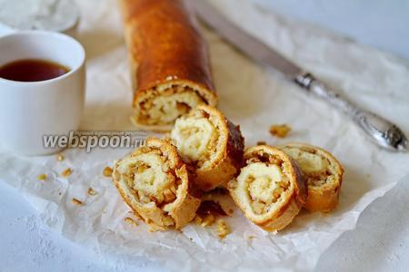 Ореховый рулет из сдобного теста на сливках