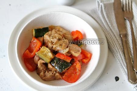 Филе куриного бедра в соусе Терияки с овощами