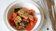 Фото рецепта Филе куриного бедра в соусе Терияки с овощами