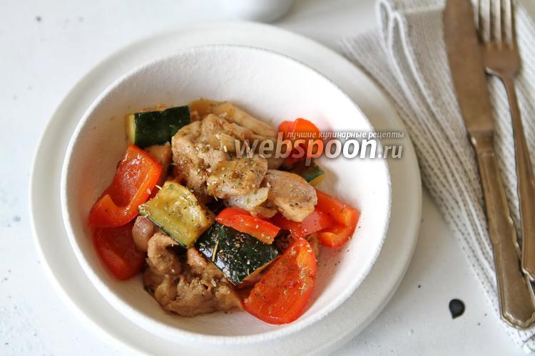 Фото Филе куриного бедра в соусе Терияки с овощами