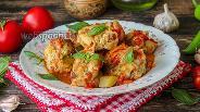 Фото рецепта Мясные тефтели с макаронами в овощном соусе