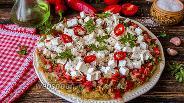 Фото рецепта Салат из печёных баклажанов с помидорами и сыром Фета
