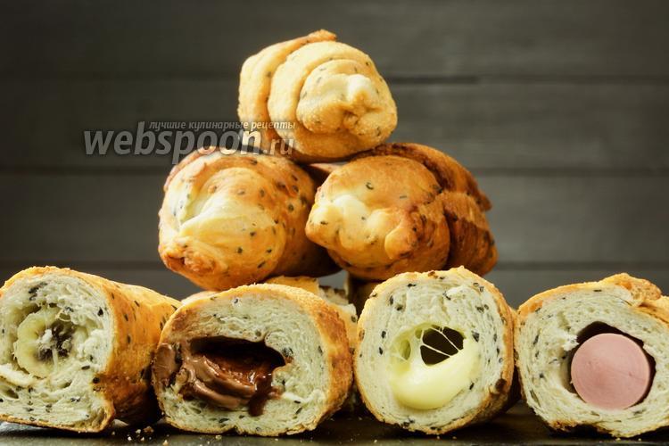 Фото Любимые вкусняшки по-новому — кунжутные круассаны с начинкой. Видео-рецепт