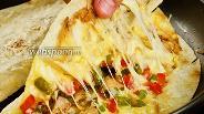 Фото рецепта Кесадилья из лаваша с курицей. Видео-рецепт