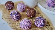 Фото рецепта Шоколадные бисквитные шарики со сгущёнкой