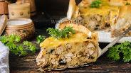 Фото рецепта Пирог с курицей и грибами в лаваше