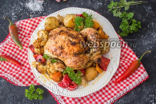 Фото Цыплёнок целиком запечённый с овощами