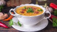 Фото рецепта Чесночный тыквенный суп-пюре с кокосовыми сливками