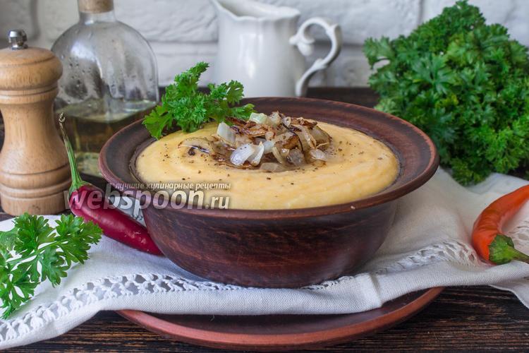 Фото Кукурузная каша с сыром и жареным луком