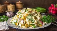 Фото рецепта Салат с капустой и яичными блинчиками