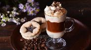 Фото рецепта Кофе со взбитыми сливками и сгущённым молоком