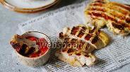 Фото рецепта Куриные бёдра на гриле в медово-горчичном маринаде