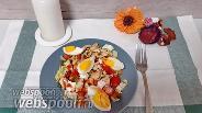 Фото рецепта Овощной салат с курицей и сыром