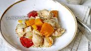 Фото рецепта Печёная тыква с курицей и овощами