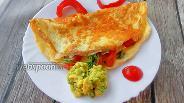 Фото рецепта Омлет с сырной корочкой и гуакамоле