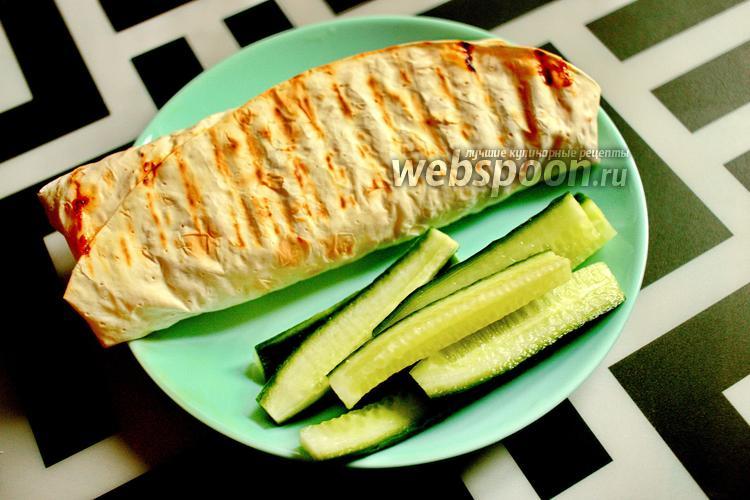 Фото Лаваш с яичным блином и творожным сыром