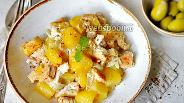 Фото рецепта Курица с картошкой в сметане в духовке