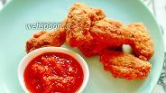 Фото рецепта Куриные крылышки в хрустящей панировке из муки и крахмала