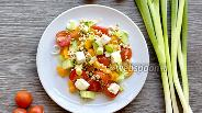 Фото рецепта Салат из пророщенной зелёной гречки и свежих овощей