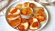 Фото рецепта Дрожжевые оладьи на молоке и ржаной муке