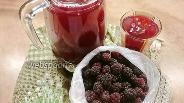 Фото рецепта Компот из вишни и ежевики