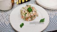 Фото рецепта Оливье с варено-копчёной свининой и зеленью