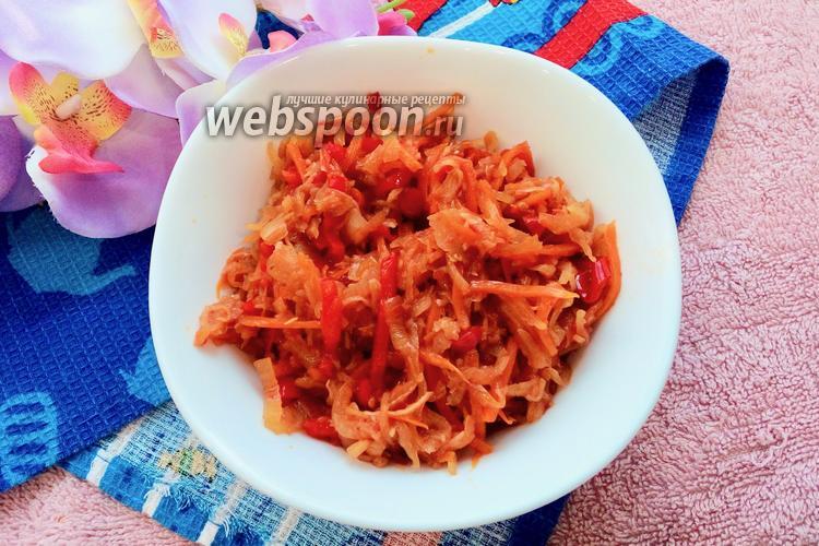 Фото Тушёная капуста с чесноком и помидорами