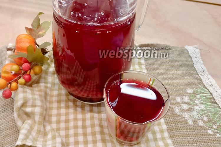 Фото Компот из вишни, красной смородины и ежевики
