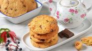 Фото рецепта Печенье с изюмом и шоколадом