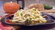 Фото рецепта Салат с зелёной редькой, огурцом и мясом