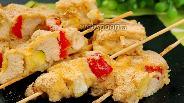 Фото рецепта Куриные шашлычки в панировке. Видео
