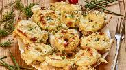 Фото рецепта Курица запечённая с ананасами под соусом бешамель