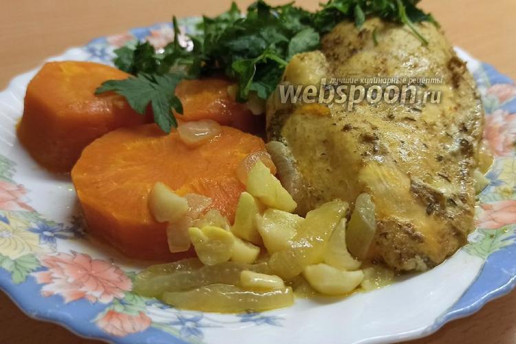 Фото Куриная грудка с овощами в мультиварке