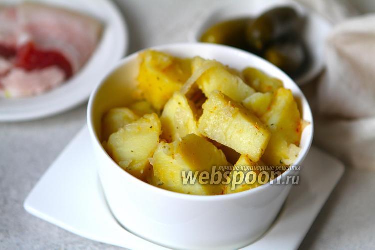 Фото Тушёный картофель с салом и луком