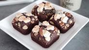 Фото рецепта Брауни с маршмеллоу и орехами