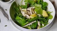 Фото рецепта Салат из шпината, курицы и апельсинов