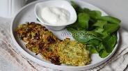 Фото рецепта Оладьи из кабачков и капусты с отрубями