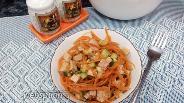 Фото рецепта Салат с огурцом, бужениной и морковью по-корейски