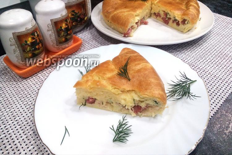 Фото Заливной пирог с колбасой и сыром