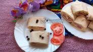 Фото рецепта Рулет из лаваша с колбасой, плавленым сыром и яйцами