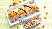 Фото рецепта Тыквенный рулет с карамельным соусом и орехами