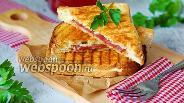 Фото рецепта Сэндвич-гриль с варёно-копчёной говядиной и плавленым сыром