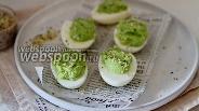 Фото рецепта Яйца фаршированные авокадо