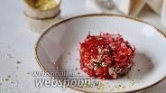 Фото рецепта Салат из пекинской капусты со свёклой