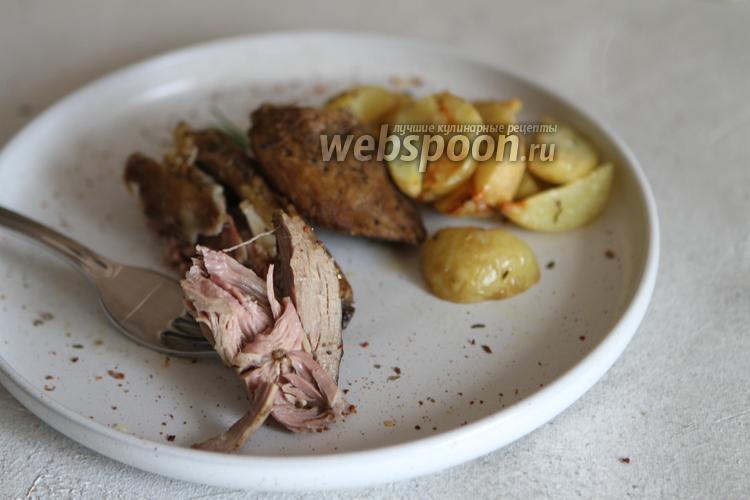 Фото Баранья лопатка, запечённая в фольге в духовке