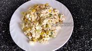 Фото рецепта Салат а-ля «Мимоза» с горбушей и кукурузой