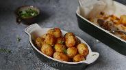 Фото рецепта Молодой картофель с паприкой и чесноком в духовке