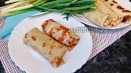 Фото рецепта Блинчики с яйцом, сыром и зелёным луком