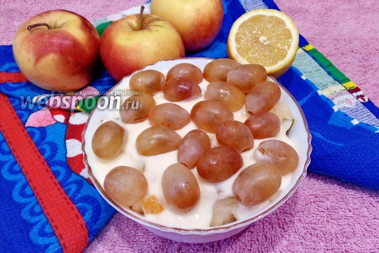 Фото Фруктовый салат из яблока и груши