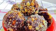 Фото рецепта Конфеты из фиников и орехов